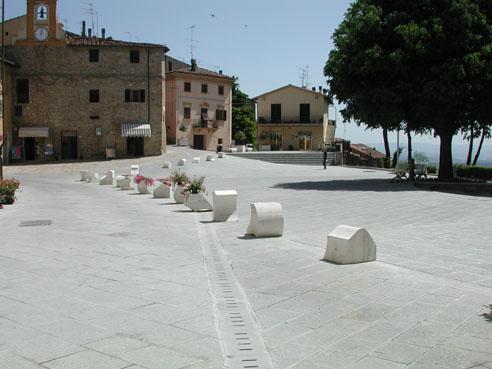 Arredo di pietra referenze for Arredo urbano roma